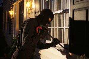 Los 10 métodos preferidos por los ladrones para elegir casa